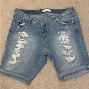 Torrid size 20 distressed shorts